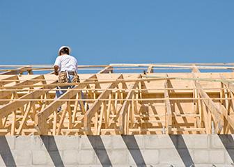 Derfor bør du vælge en god tømrer eller handyman til jobbet når det skal lægges et nyt tag på hjemmet